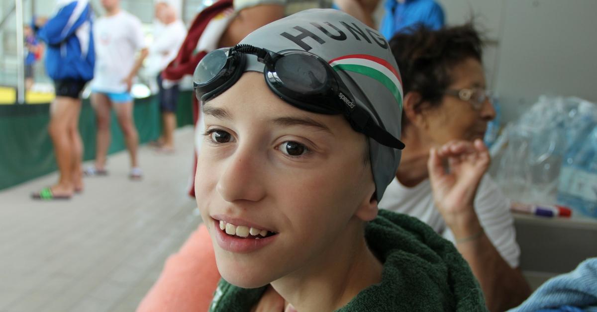 FODISZ oklevél májtranszplantált úszónknak